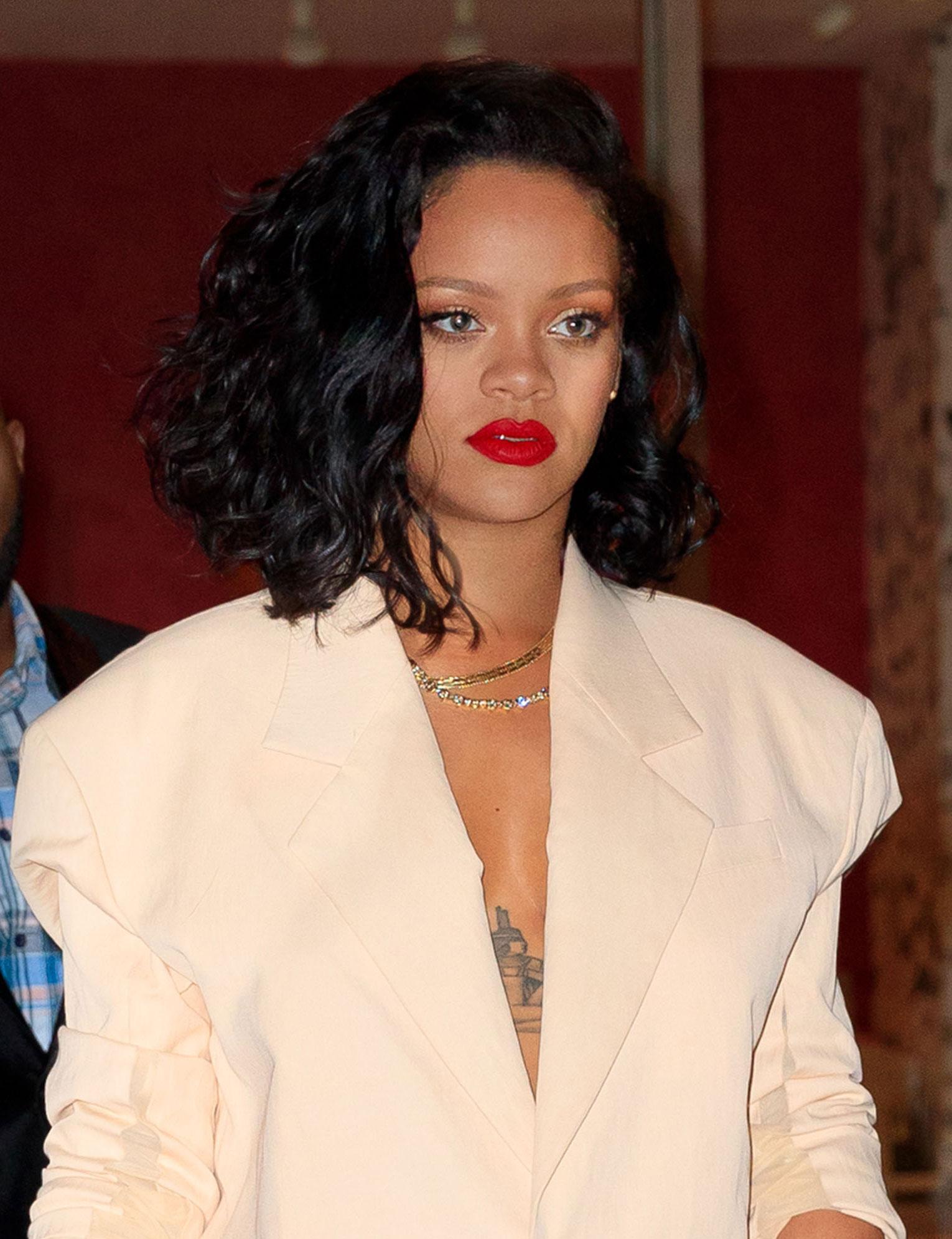 Coupe De Cheveux Rihanna Carre Plongeant | Coiffures Cheveux Longs