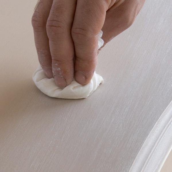 3 solutions pour patiner mes meubles femme actuelle le mag - Peinture a l ancienne pour meuble ...
