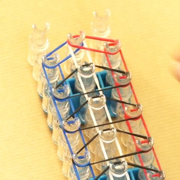 en ligne à la vente grande variété de modèles arrive Bracelet élastique Rainbow loom : le modèle triple simple ...