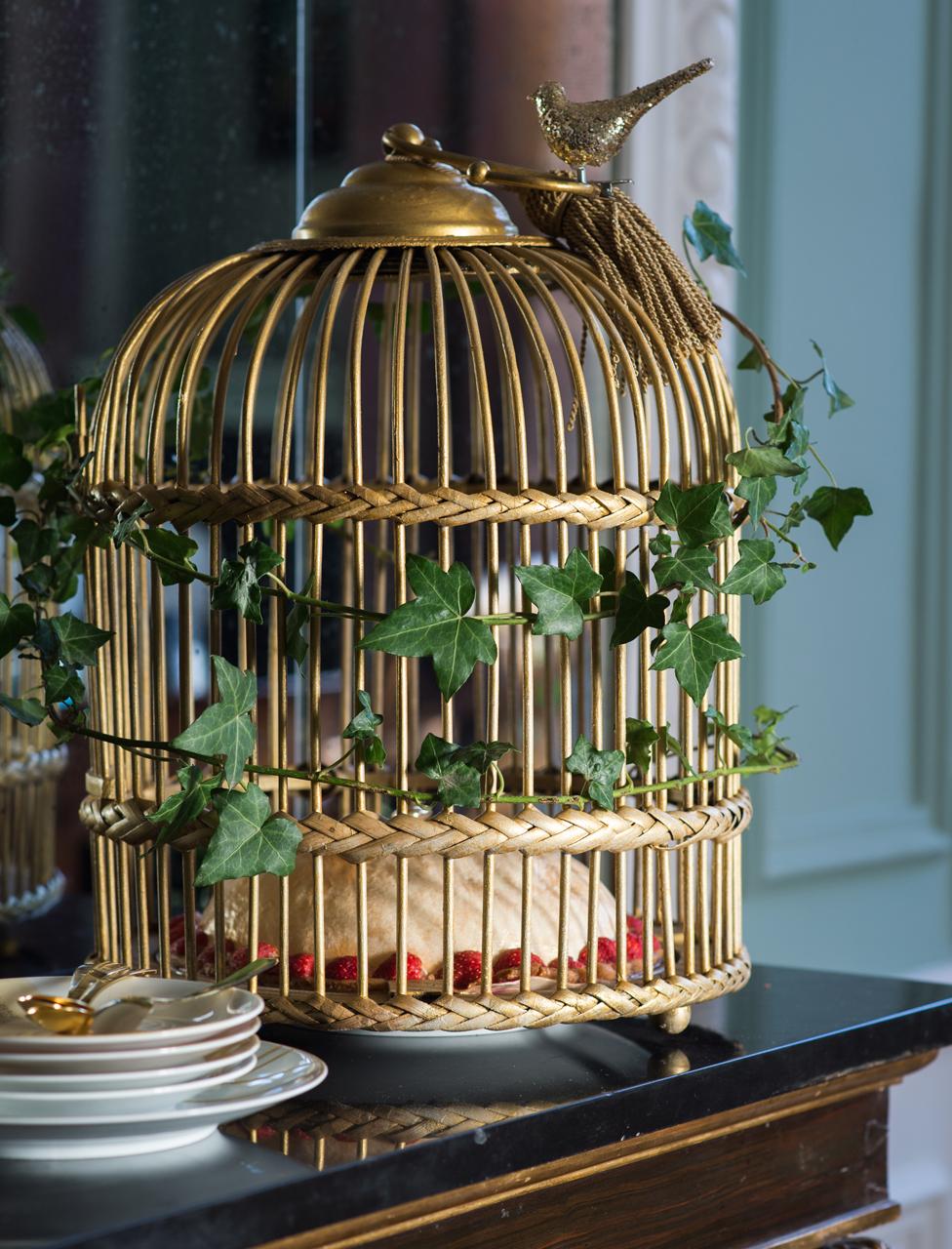 3) Cage à Oiseau Spéciale Gâteau. Choissez Une Cage En Rotin à Fond  Amovible. Poncez Lu0027intérieur Et Lu0027extérieur Avec Du Papier De Verre Fin.