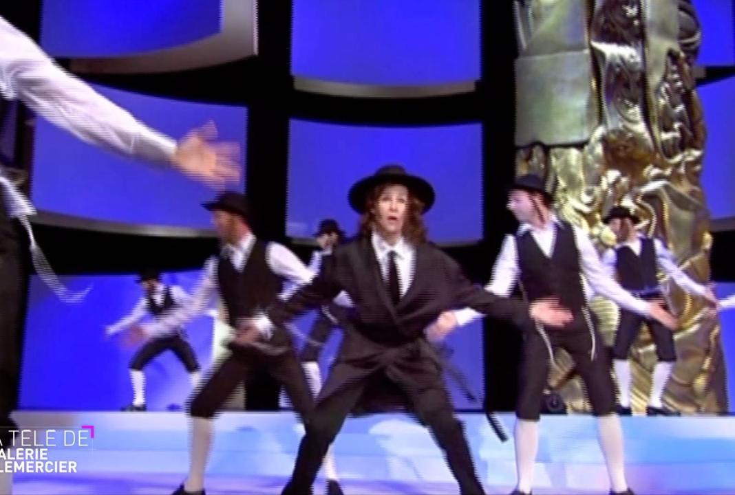 La Télé de Lemercier (C8) : quand Valérie Lermercier danse sur Rabbi jacob aux César 2007 !