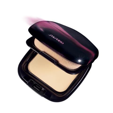 Fond de teint compact universel par Shiseido