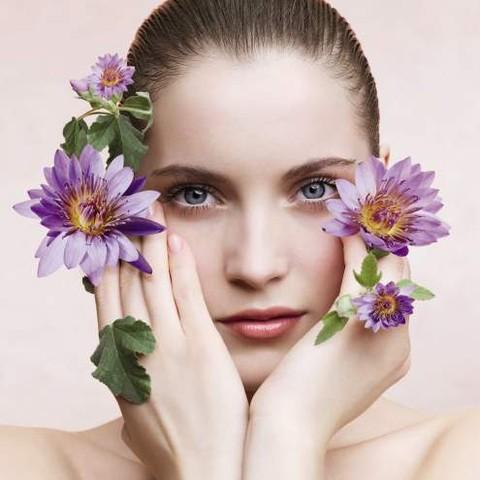 La neuro-cosmétique florale au service du regard par Nuxe