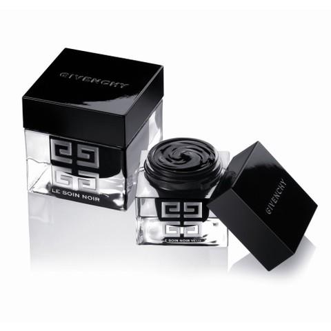 Le Soin Noir est de retour chez Givenchy