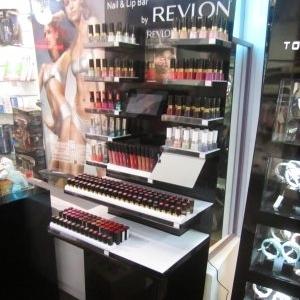 Publicisdrugstore accueille le Lip & Nail Bar Revlon