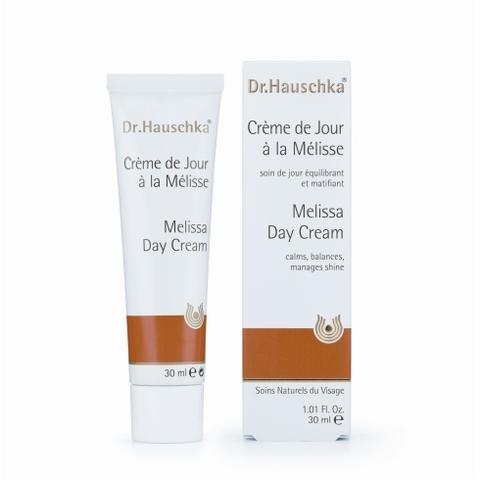 Dr. Hauschka prend soin des peaux mixtes et sensibles