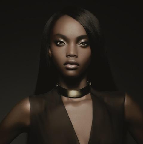 On adore...Le Parfum de Black|Up