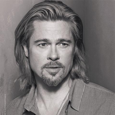 Brad Pitt pour Chanel N°5, les 2 vidéos