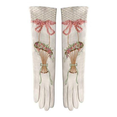 Les gants parfumés Marie-Antoinette ou le raffinement absolu