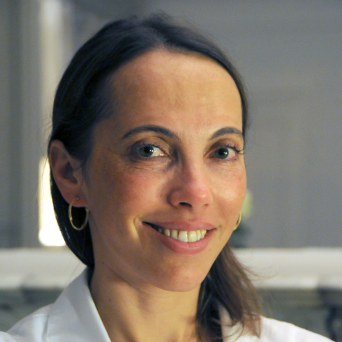 Dr Elena Romanova, médecin esthétique à Paris