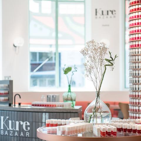 Le nail bar Kure Bazaar se refait une beauté au Bon Marché