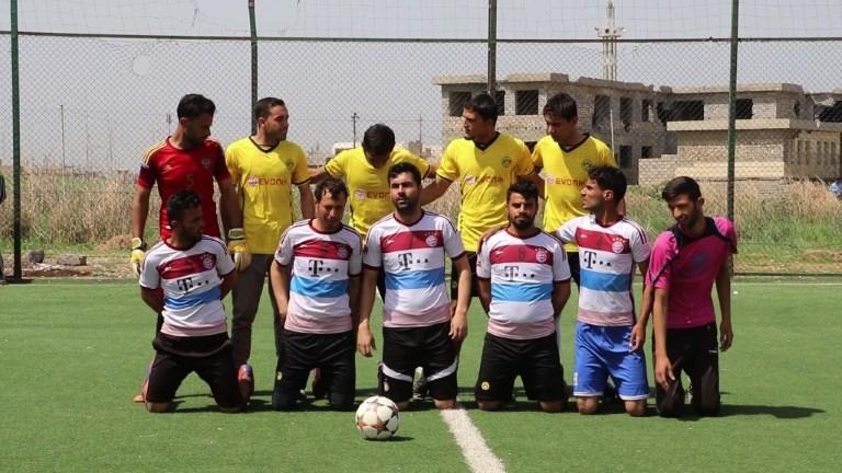 Mossoul: l'EI chassé, les footballeurs s'en donnent à coeur joie