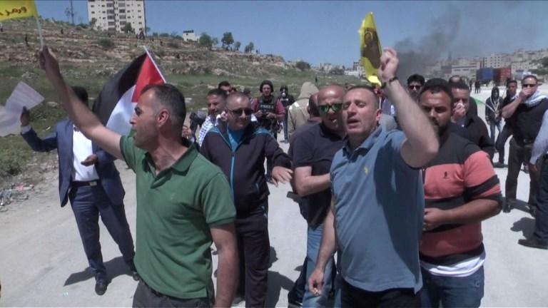 Manifestation de Palestiniens devant la prison d'Ofer