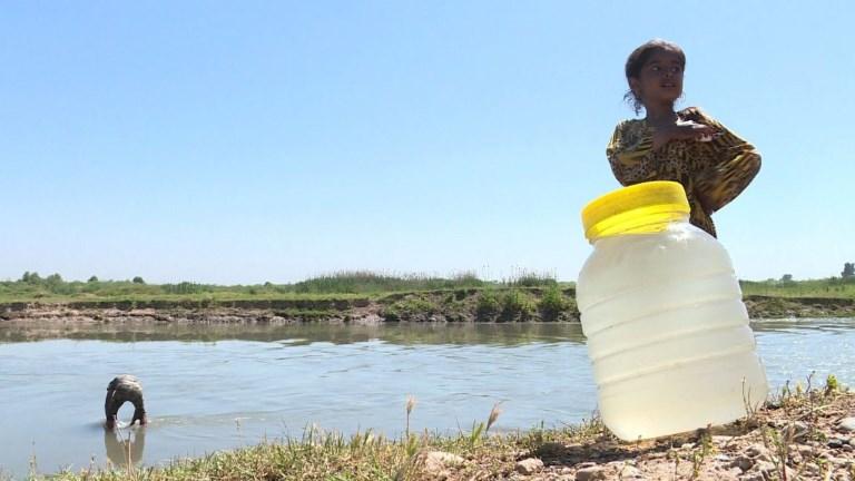 Irak: dans les villages près de Mossoul, l'eau potable manque