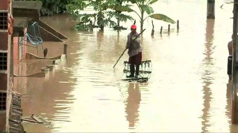 Brésil: inondations et glissements de terrain dans le nord-est