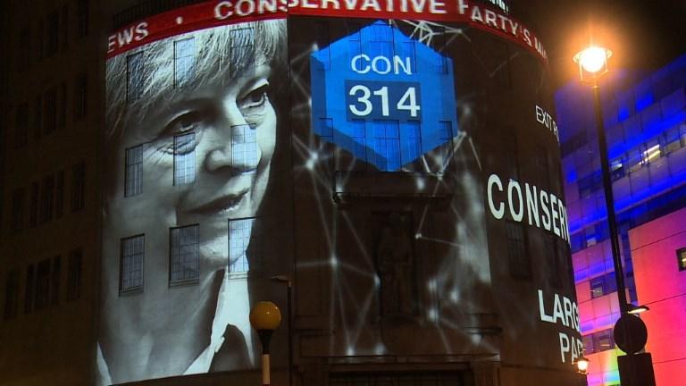 Grande-Bretagne: T. May perd sa majorité absolue au Parlement