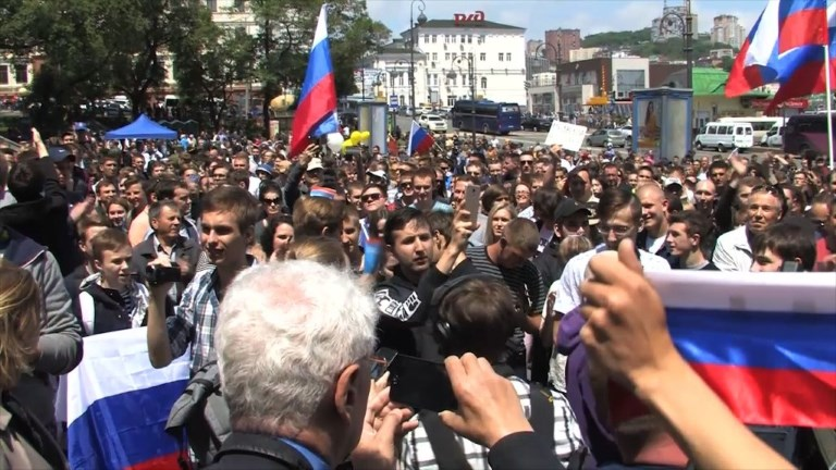 Russie: des milliers de partisans de Navalny manifestent