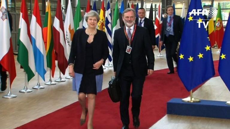 Brexit: Merkel salue un
