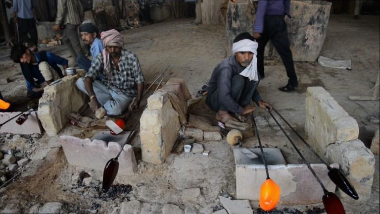 L'industrie du verre indien en crise à cause du Taj Mahal