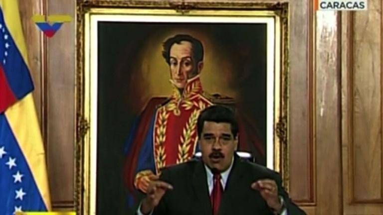 Venezuela: la Cour suprême attaquée, Maduro condamne