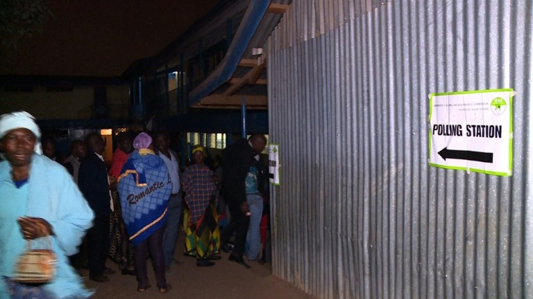 Les Kényans aux urnes pour des élections à couteaux tirés