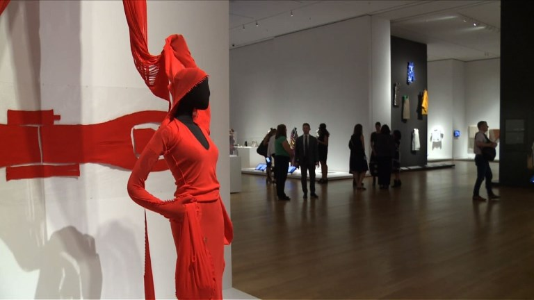 111 pièces marquantes de la mode au MoMA de New York