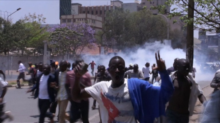 Manifestation contre la Commission électorale dispersée au Kenya