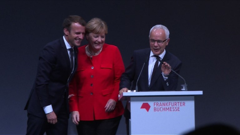 Macron appelle Merkel à le rejoindre pour