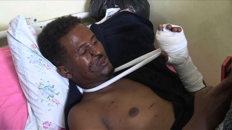 Mogadiscio: des habitants désespérés cherchent leurs proches