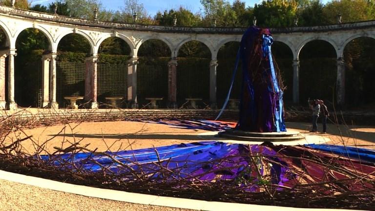 Sculptures géantes dans les bosquets du Château de Versailles