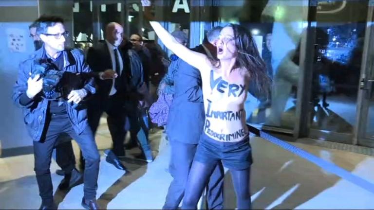 Deux Femen perturbent le lancement de la rétrospective Polanski