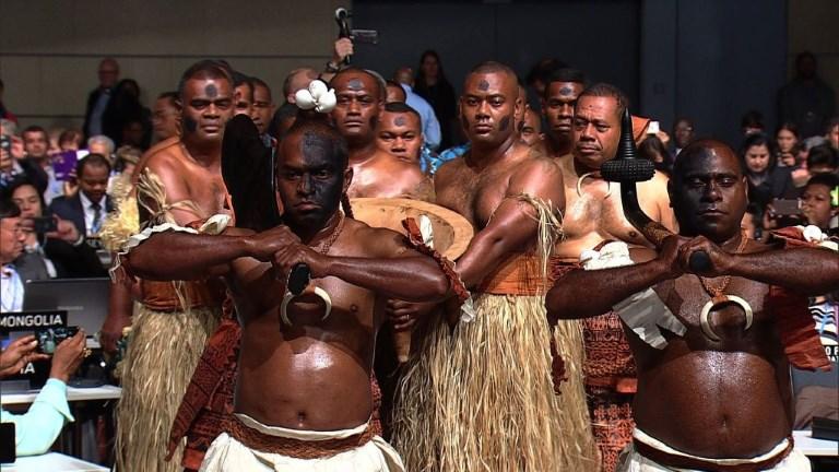 Le président fidjien de la COP23 lance