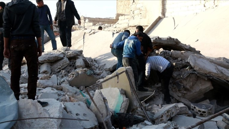 Syrie: 29 civils tués dans des raids aériens