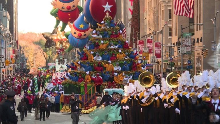 New York: des millions de personnes à la parade de Thanksgiving