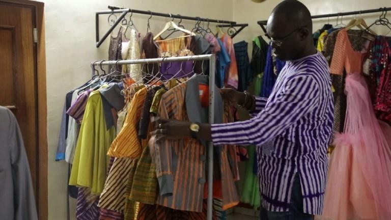 Le retour en grâce du pagne de la rue au Burkina Faso