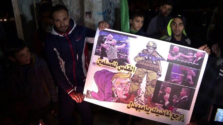 Les habitants de Gaza manifestent contre Trump