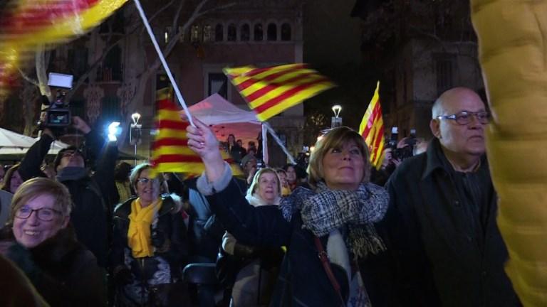 Catalogne: dernier meeting pour Ciudadanos et Puigdemont