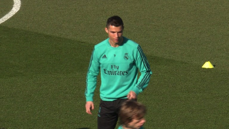 Football/Real Madrid-Barcelone: Ronaldo