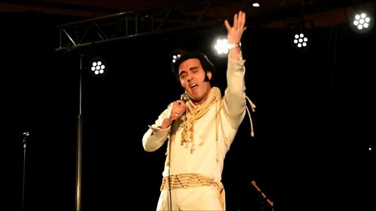 Birmingham: championnat européen de sosies d'Elvis