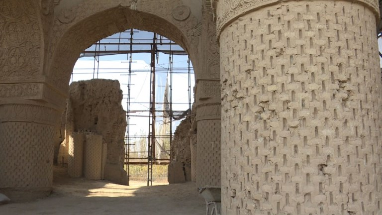 Afghanistan: les mystères de la mosquée des Neuf Dômes