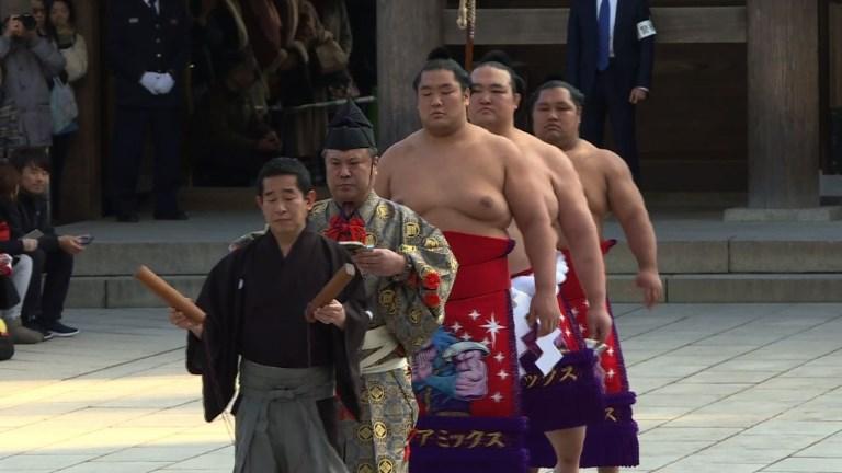 Sumo: un rituel du Nouvel An dans l'ombre des scandales
