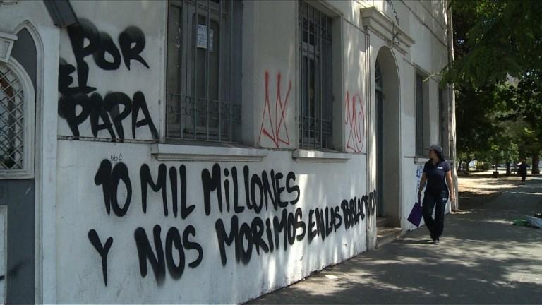 Chili: des églises attaquées avant la visite du pape