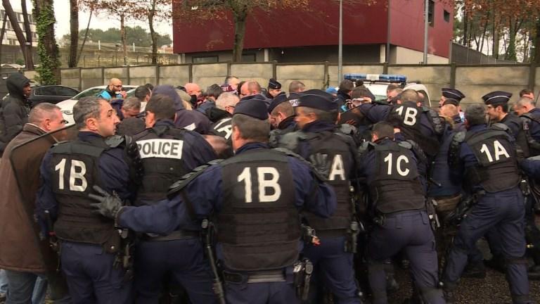 Prisons: face à face tendu entre surveillants et CRS à Bordeaux
