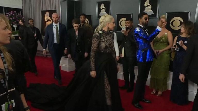 Grammys : des roses blanches contre le harcèlement