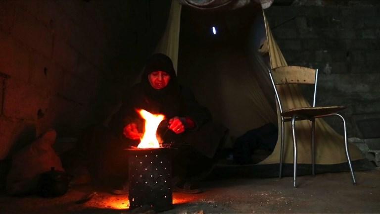 Syrie: la vie sous terre des habitants d'un fief rebelle pilonné