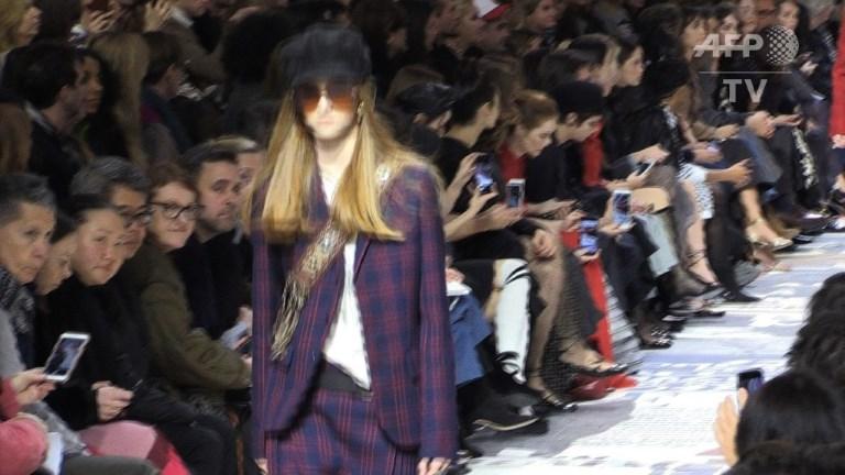 Fashion Week de Paris: des femmes émancipées au défilé Dior