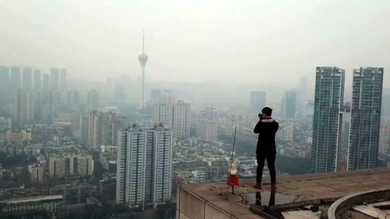 Il grimpe sur les gratte-ciel pour des photos exceptionnelles