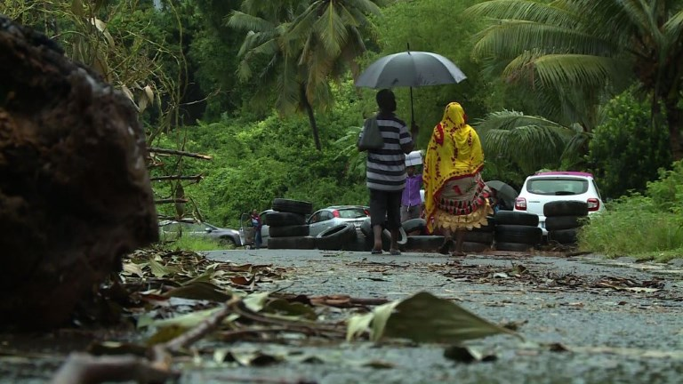 Mayotte: le scrutin maintenu, la grève continue