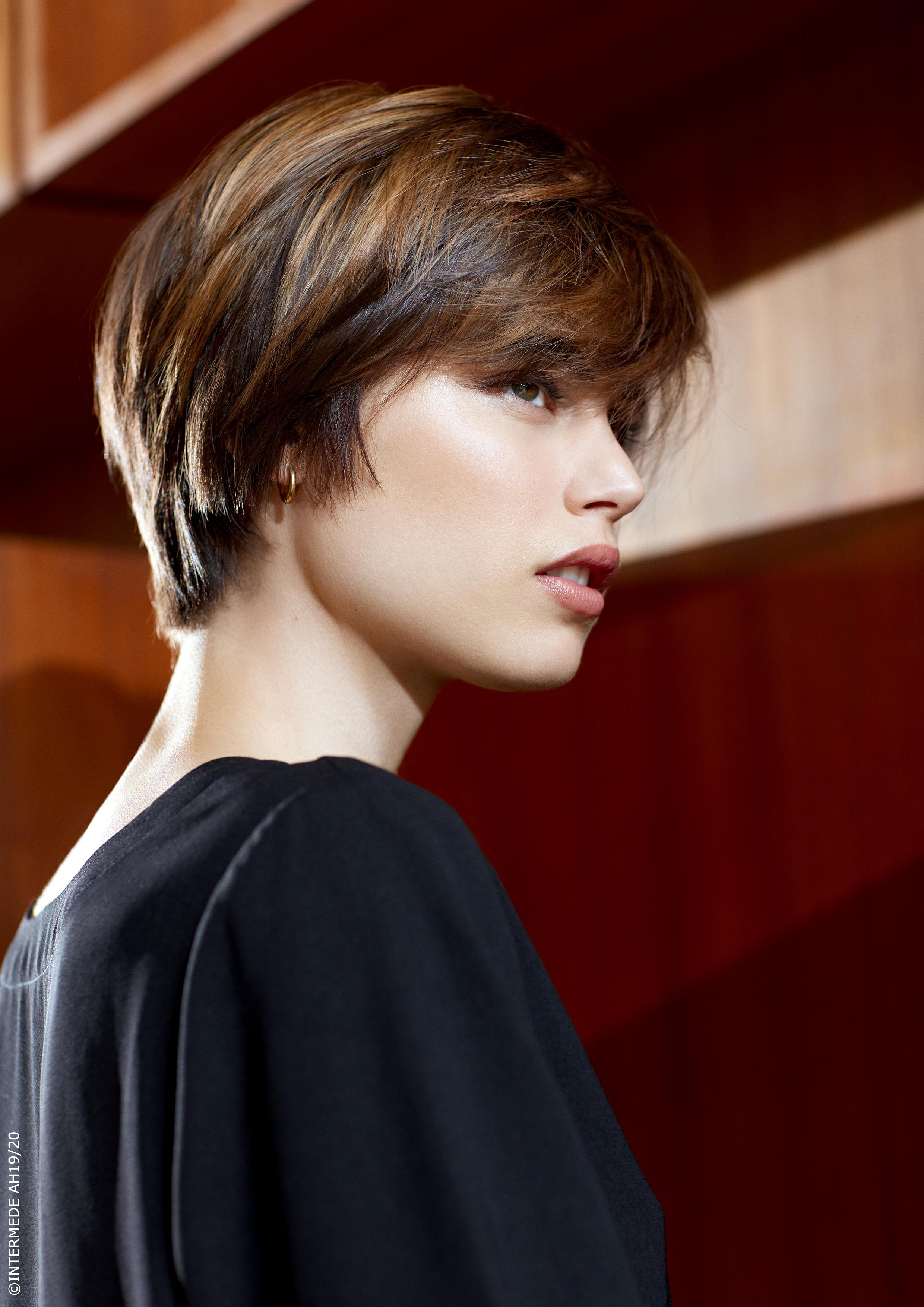 Coupe Courte Pixie Femme 2020 | Coiffures Cheveux Longs